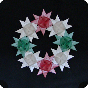 Origami Christmas Wreath - Make-Origami.com